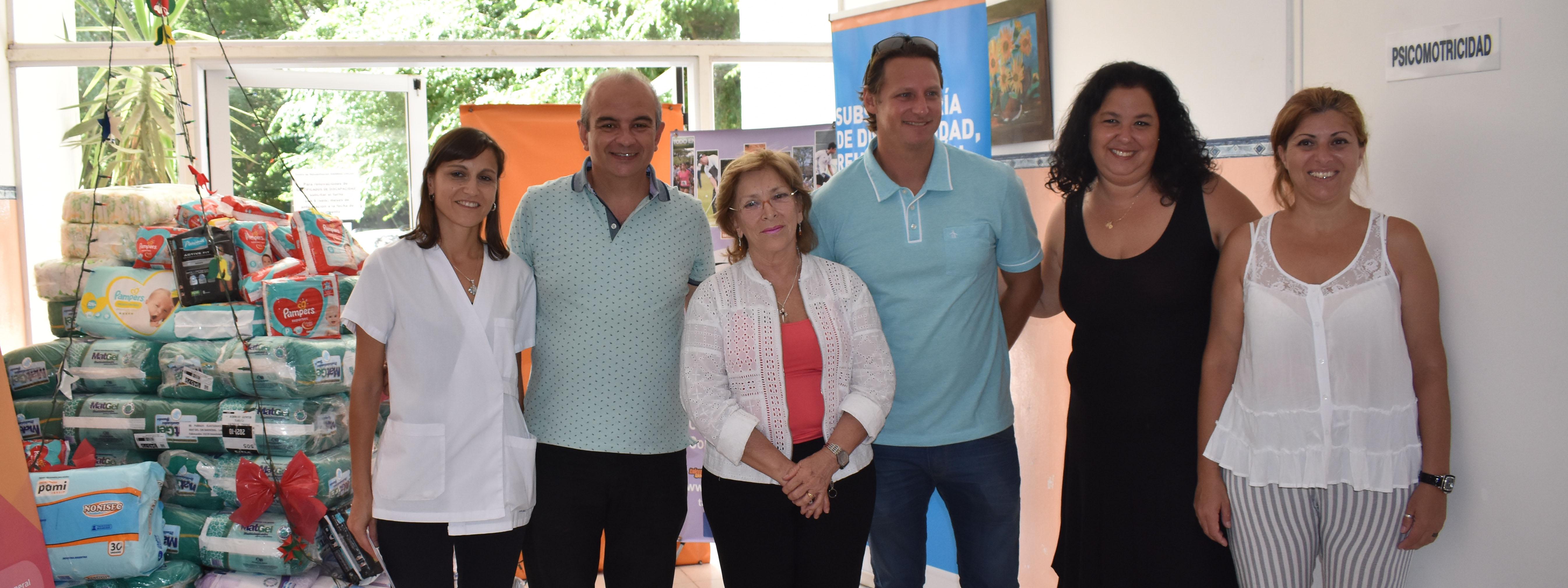 4.000 pañales reforzaron el vínculo de la Fundación Nalbandian con el Centro de Rehabilitación de Unquillo