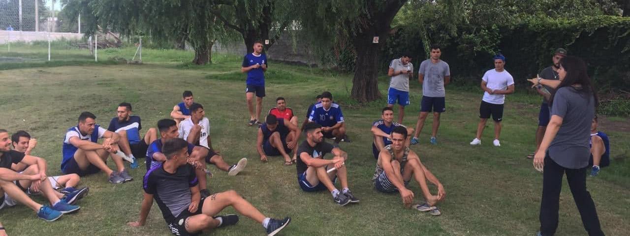 FÚTBOL: Emilce Charras y su experiencia con el coaching en el fútbol