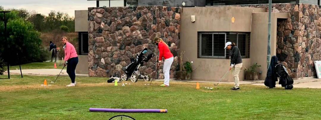 GOLF: La FGPC abrió un espacio semanal de clínicas deportivas para mujeres golfistas +25