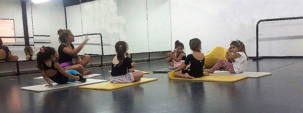 DANZA: Con Macarena Alonso, las niñas tienen un nuevo espacio de aprendizaje y recreación