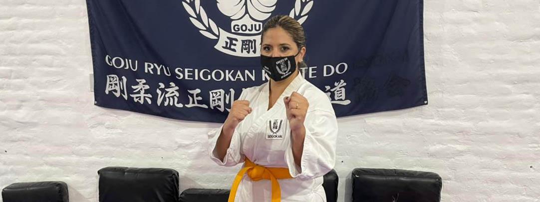 """GEO MONTEAGUDO, locutora de Cadena 3 y karateca: """"En el karate y la locución, es fundamental la pasión y el compromiso"""""""