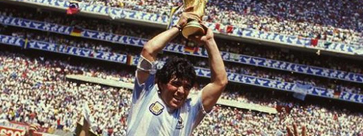 FÚTBOL: Murió Diego Armando Maradona, símbolo del fútbol, de la argentinidad y la rebeldía
